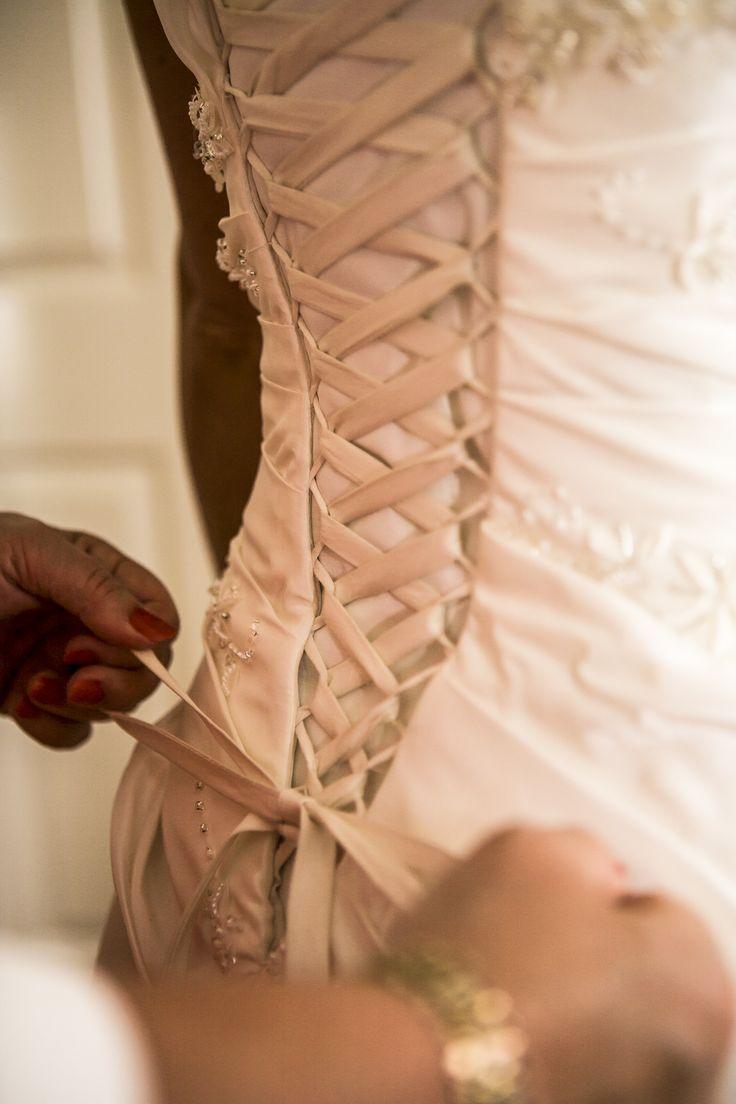 #grundyphotography #detail #weddingdress   ©