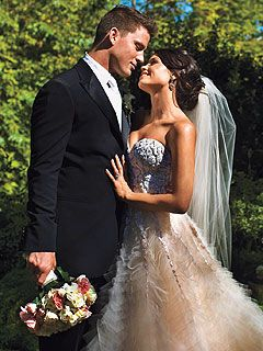 Jenna Dewan and Channing Tatum on their wedding day. Gorgeous dress! #celebrity #wedding