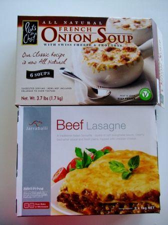 コストコで買った商品 オニオンスープ(1,298円) と ビーフ ラザニア(1,698円)ぺろり   ビーフラザニアは なんと2Kgもありますですよびっくり   オニオンスープも 1.7Kgだけどね・・・さすがコストコでございます(*≧m≦*)ププッ     そして キッチン用品 こちらも必需品   フロッシュ ジップロック   フロッシュ500ml×3(788円)と ジップロックのガロンサイズ38枚×4(1,298円)     そして ふと目に付いた   フルーツバスケット コストコ  お猫様のハンモックになったりして・・・  バナナハンガーが付いた フルーツバスケット(1,398円)