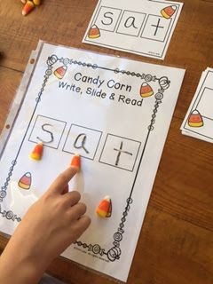 Candy Corn Reading! Blog post (with video) and free printable by Erin Lane ;-)