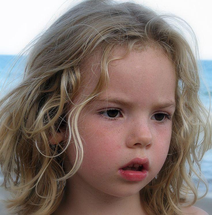 Meer dan 1000 idee n over blonde zij staartjes op pinterest zijwaartse staartjes pruiken en - Kleine teen indelingen meisje ...