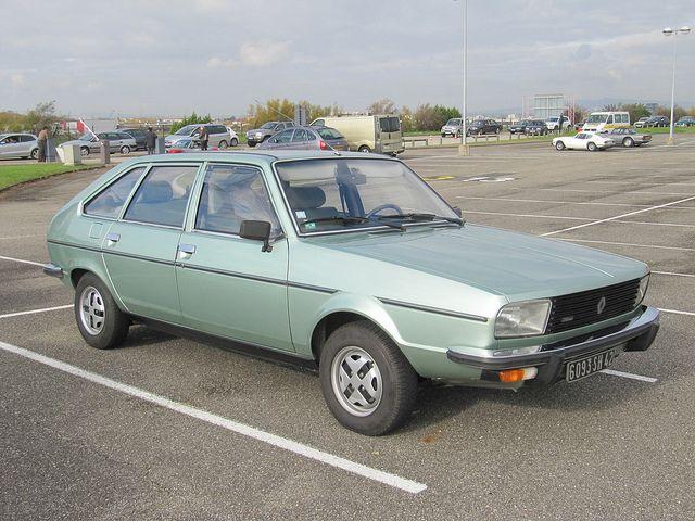 ma cinquième voiture : Renault 20 TS. Excellente routière, sûre et confortable.