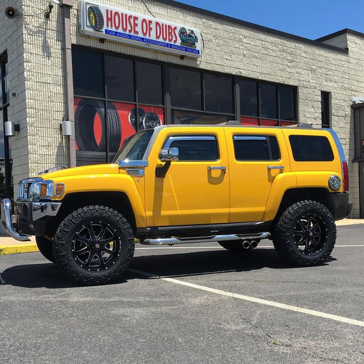 """Hummer H3 on 20"""" @ballisticoffroad with @nittotire 35"""" Trail grapplers. #offroad…"""
