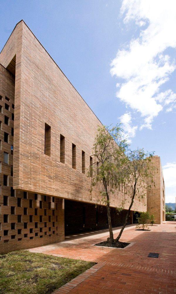 Edificio Omega Block, Colegio Anglo Colombiano / Daniel Bonilla Arquitectos