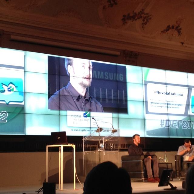 Evan Sharp at #def2012