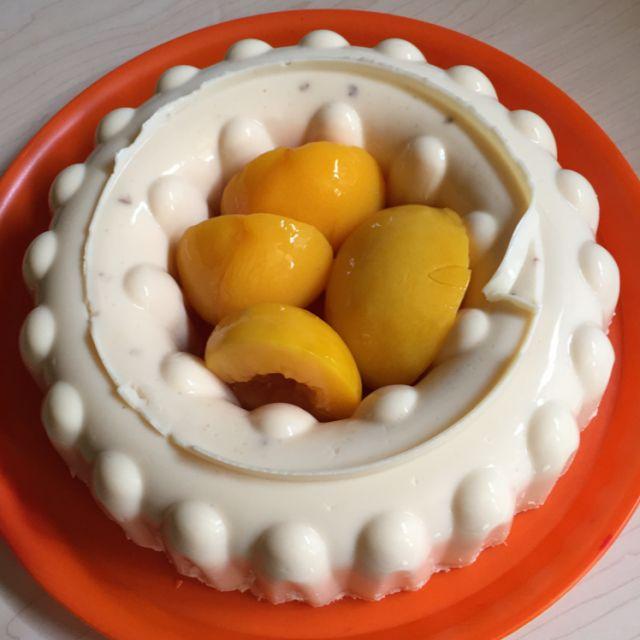 Gelatina deliciosa de queso crema con fruta