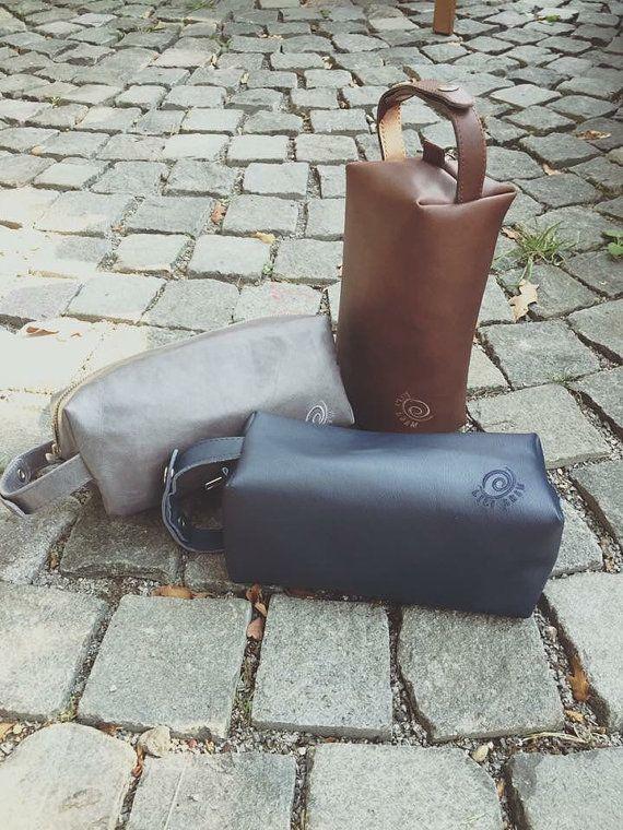 Men's leather toiletry case traveling Handbags