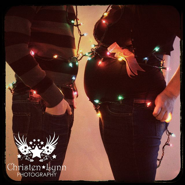 Christmas + Maternity = YAY!  Wish I'd seen this w/ both my kiddos!!  Maybe next time.... hehehe.