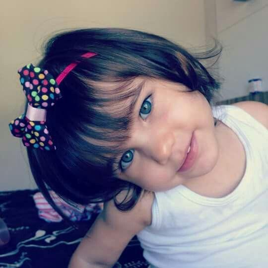 Lacinho perfeito em uma princesa linda.