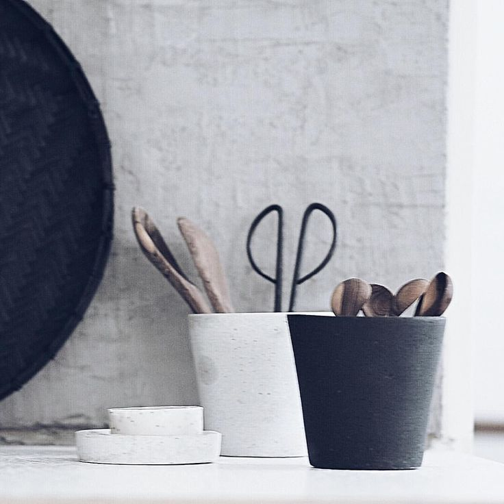 Via Instagram   @erikaappelstrom  Simplifying my kitchen corner by corner. (Luckily you can't see the rest of it). #kitchen #monochrome #home #stillife #concrete #diy #splashback #kitchenutensils #myhome #homing #minimal #raw #interior123 #interior4all #skandinaviskahem #skandinaviskehjem #hjem
