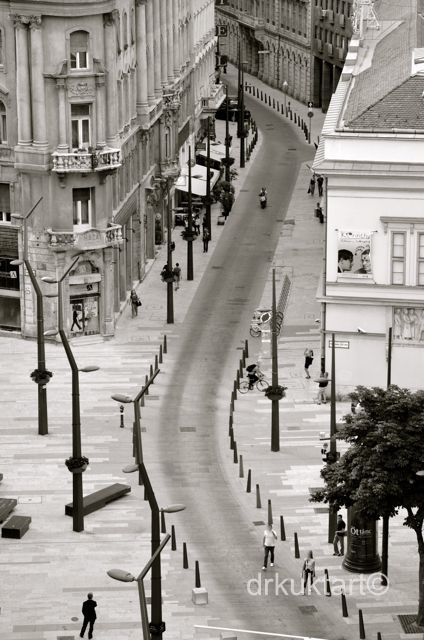 Kecskeméti utca - More: http://drkuktart.blog.hu/2014/07/02/toppon_a_tip_top_bar-ban_on_the_top_of_the_roofs_of_budapest