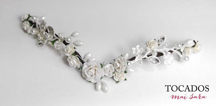 Tocado Novia con pistilos, flores y piezas metalicas NIARA #tocadosdenovia