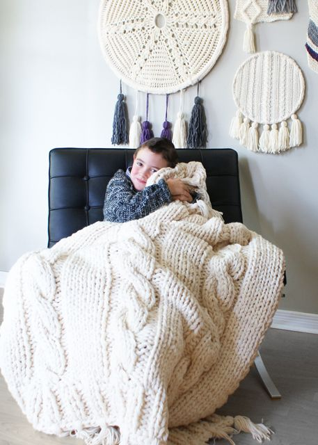 2015014 Triple Cable Throw Blanket — Midknits