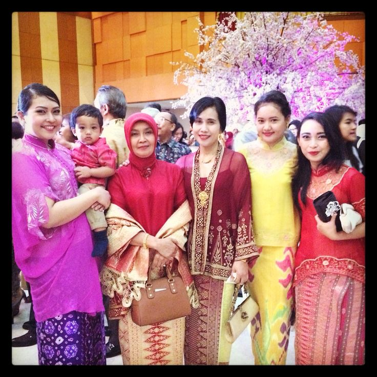 Mom, me and sister with our designer and her daughter