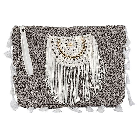 A straw pouch in unexpected hues and flirty fringes can make you the ultimate summer presence!