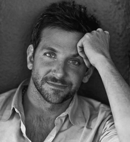 Omg Bradley Cooper Is So Cute With His Blue Eyes And Brown