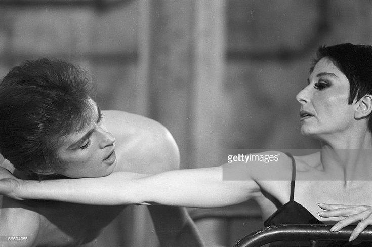 Shooting Of The Ballet 'Le Jeune Homme Et La Mort' By Jean Cocteau With Rudolf Noureev And Zizi Jeanmaire. En décembre 1966, la danseuse Zizi JEANMAIRE et le danseur Rudolf NOUREEV lors du tournage, pour la télévision, du ballet 'Le Jeune Homme et la Mort' de Jean COCTEAU dirigé par le chorégraphe Roland PETIT.
