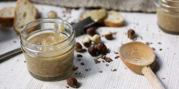Burro di nocciole: la ricetta per prepararlo in casa