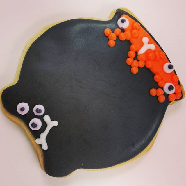 One last Halloween cookie.  It was a great year, thanks to all who purchased cookies this year.  Some big events will be keeping the cookies flying out of the door for November, but soon I will announce my biggest cookie giveaway, happening the month of December!  Stay tuned.  #sweethandmadecookies #customcookies #decoratedcookies #designercookies #cookies #bradfordontariocookies #halloween #halloweencookies #cauldroncookies