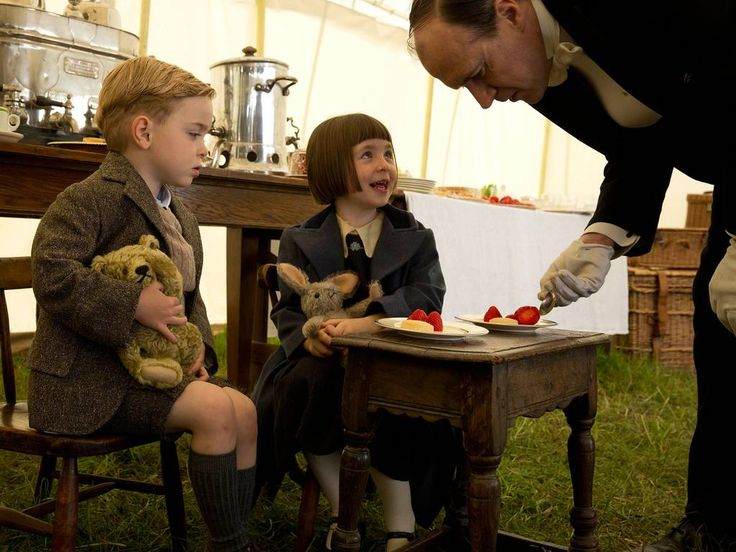 Downton Abbey season 5 episode 6: The Downton Abbey children, George and Sybbie play with cuddly toys