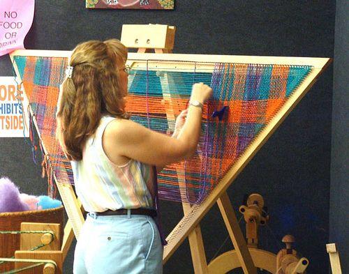 Weaving on a triangle loom