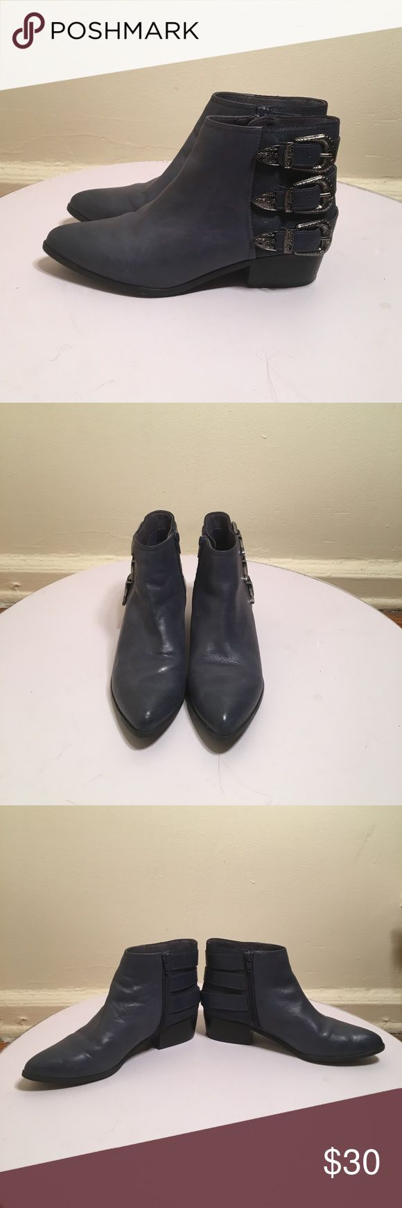 🛫TAKE OFF WESTERN BOOTIE🛫 Navy Blue western ankle bootie. Inside zip. 3 onyx color buckles with straps. Good condition bootie.heel has a tiny nick. Size 8.5 Aldo Shoes Ankle Boots & Booties