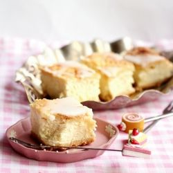 Traditional Polish cheesecake on shortcrust pastry by french pastry master Pierre Herme.  Recipe in Polish.  Translator may be needed.