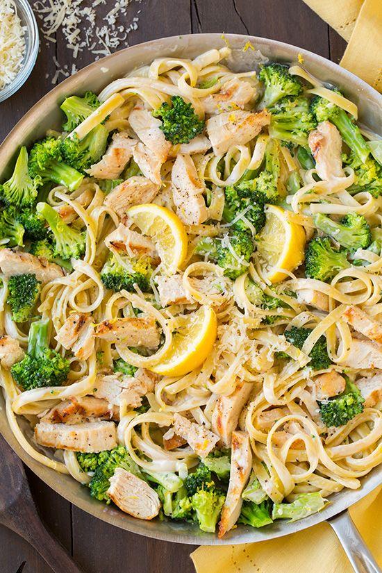 Fettuccine Alfredo au poulet grillé et brocoli - Recettes - Recettes simples et géniales! - Ma Fourchette - Délicieuses recettes de cuisine, astuces culinaires et plus encore!
