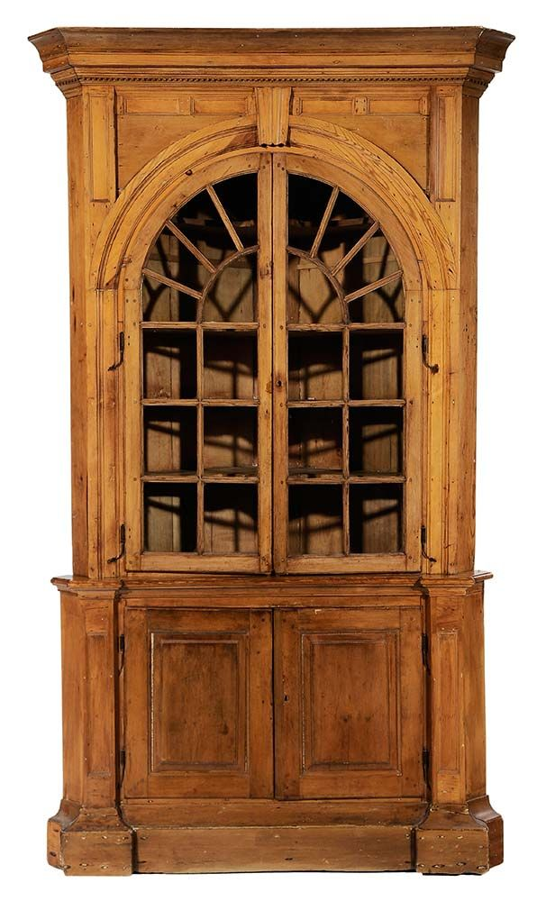 Virginia Chippendale Pine Corner Cupboard attributed to Halifax County…