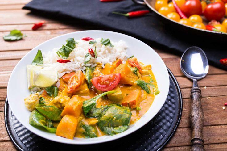 Curry z dynią hokkaido, szpinakiem i kurczakiem
