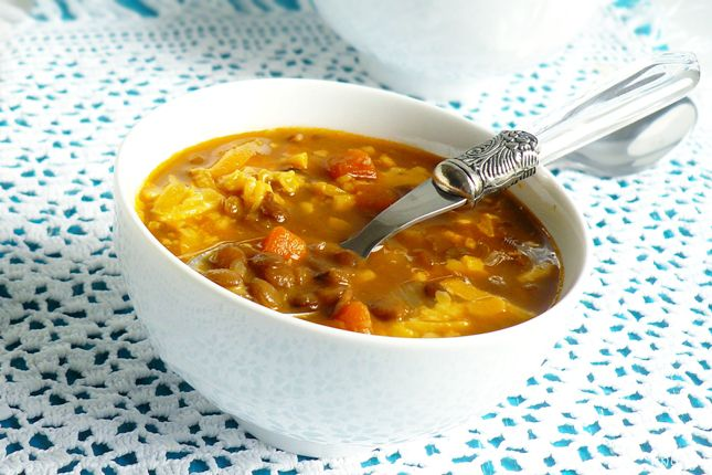 Давно хотела попробовать чечевичный суп с беконом от Марты Стюарт, потому как нежно люблю ее рецепты, а еще люблю чечевицу и бекон. А когда в сообществе abovo был…