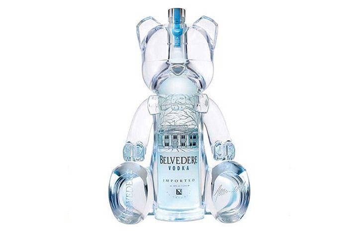 Belvedere – Belver Ours  Pendant le festival de Cannes, cette bouteille de 3L était disponible uniquement dans le club VIP Room de Jean-Roch. La marque Belvedere la propose également à Saint-Tropez et à Paris pour un prix de 5.270€.