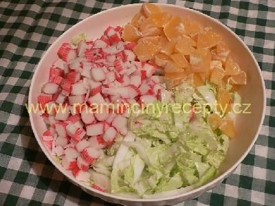 Krabí salát s pomerančem