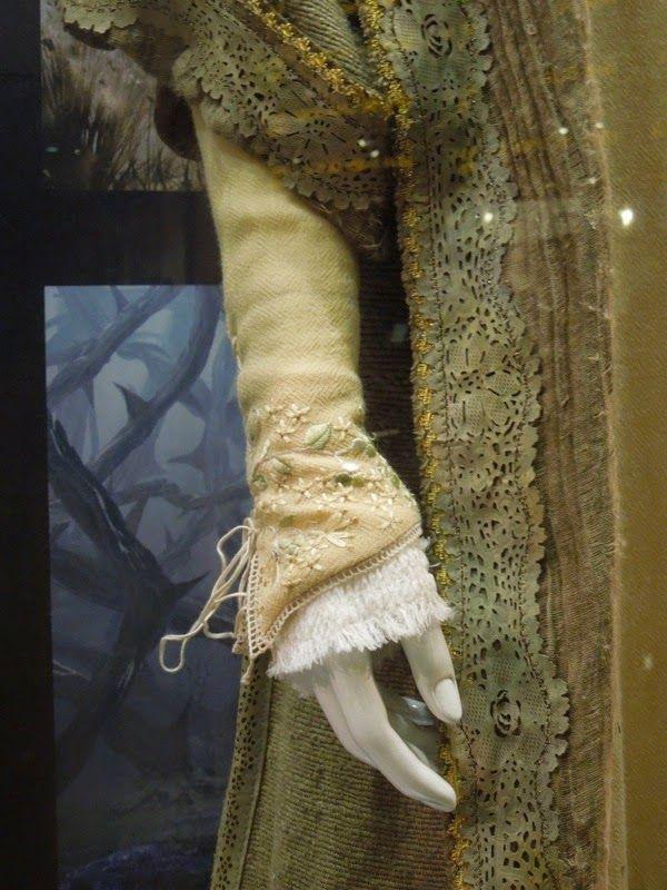 Elle Fanning Aurora Costume 29 best images about D...