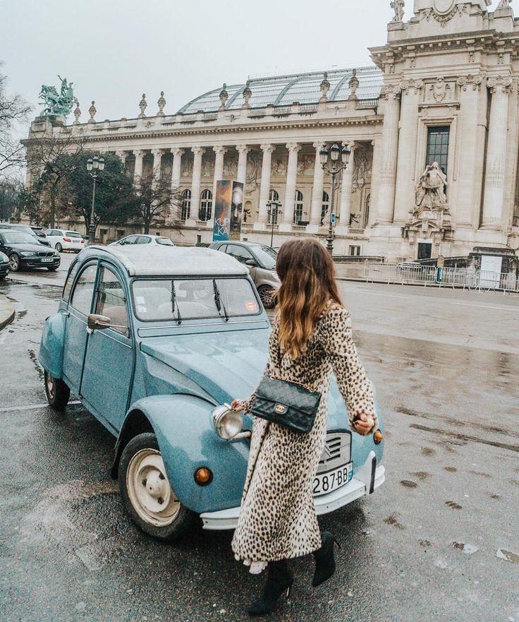 Sara Escudero in Paris