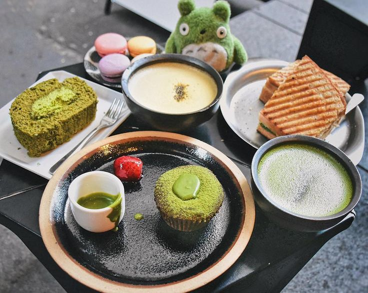 Matcha Heaven... Matcha Swiss roll cake Matcha Fondant Matcha latte and even a Matcha Totoro in the back! Amazing pic from the very lucky:   @nat_sweetdiary . Want to create your own zen? Try our Ultra Premium Green Tea today. Link in bio!