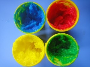 homemade finger paints from healthymamainfo.com