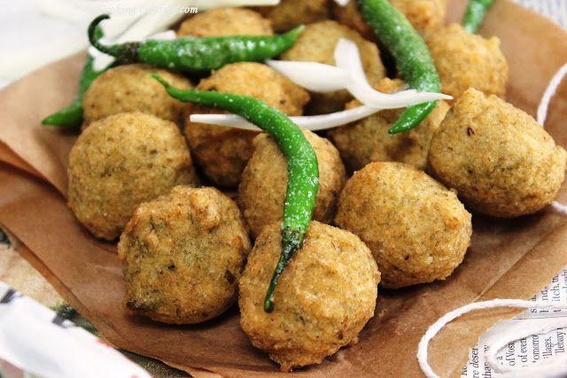 Jagruti's Cooking Odyssey: Gujarat na Daal Vada - Spicy lentils deep fried Fritters !
