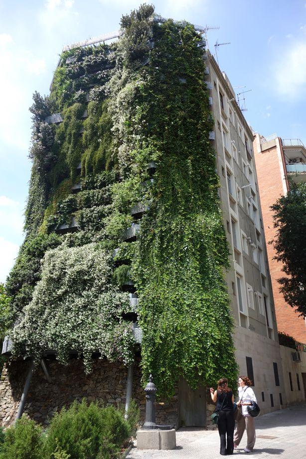 Jardí Tarradellas, Barcelona's Tallest Residential Vertical Garden