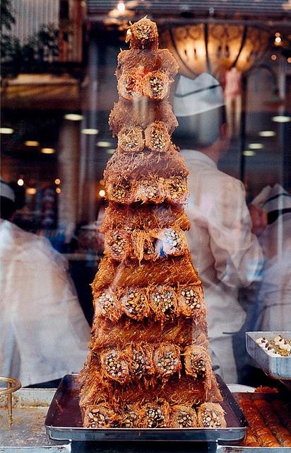 Baklava tower, wow!   (aslında cevizli cezerye sanırım, ama öyle yazmışlar...) - Turkey