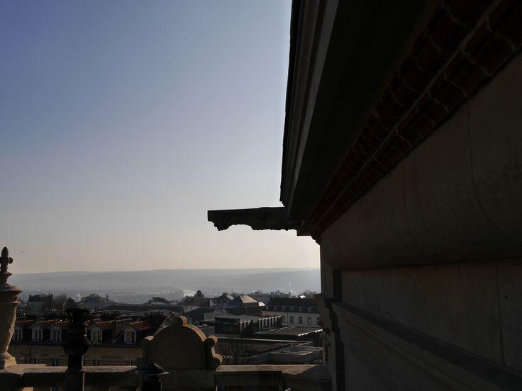 La vue des toits du château : Paris dans le lointain (c) MAN / P. Fallou