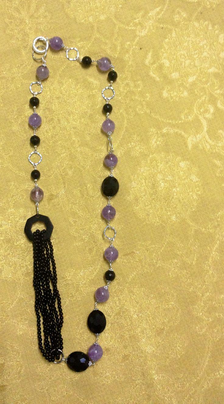 Collana di ametista, onice e corno. Regina handmade jewelry