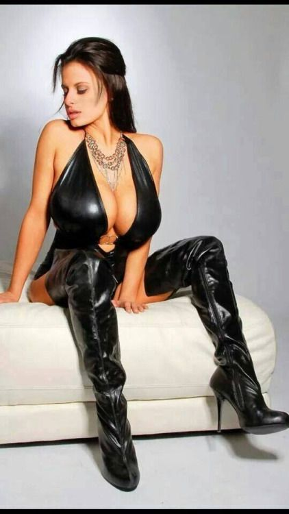 Pin Op Leather Mistress-1301