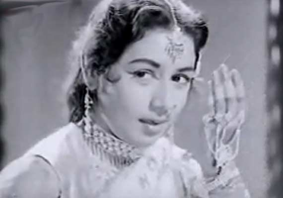 Nanda was a very warm and loving woman, had no tantrums: Manoj Kumar