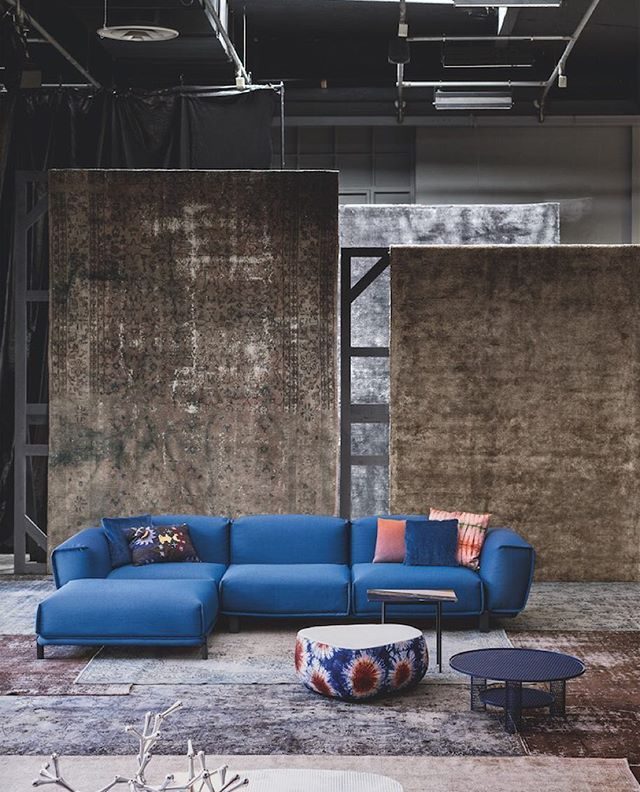 The beautiful sofa Bold by Patricia Urquiola dressed in Kvadrat/Raf Simons textile Masai from #Moroso installation