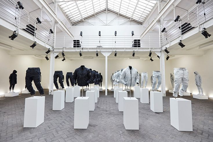 G-Star-Raw-Research-by-Aitor-Throup-Debuts_fy1