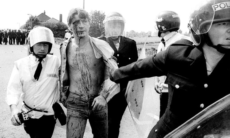 Battle of Orgreave: more unreleased police files uncovered | Politics | The Guardian