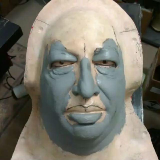 Proceso de caracterización con protesico en foam de látex por @karlosriveros para @camilocifuentescortes  en @vozpopuliteve #maquillaje #makeup #makeupartist #art #foamlatex #sculpture #escultura #transformacion #imitacion #imitation #impersonator