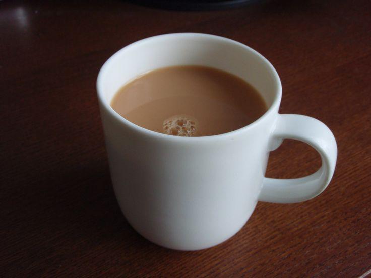 Kombinácia silných látok v káve s mliekom dohromady vytvorí v tele smrteľný jed. Tento jed sa stáva návykovou drogou, bez ktorej si ďalej nedokážete predstaviť dopoludnie. Pokiaľ pijete kávu s mliekom raz za týždeň, tak vám neuškodí. Jedna šálka kávy denne s mliekom alebo smotanou hoci aj bez cukru po dvoch rokoch u človeka zničí […]