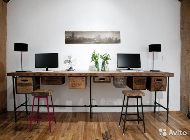 Дизайнерский рабочий / офисный стол в стиле Лофт